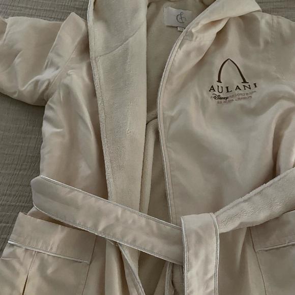 Aulani Spa robe